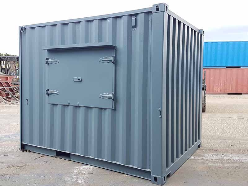 10ft container servery unit with outward opening serving hatch