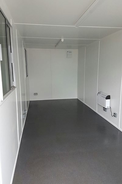 20ft open plan office with black ultra grip vinyl flooring