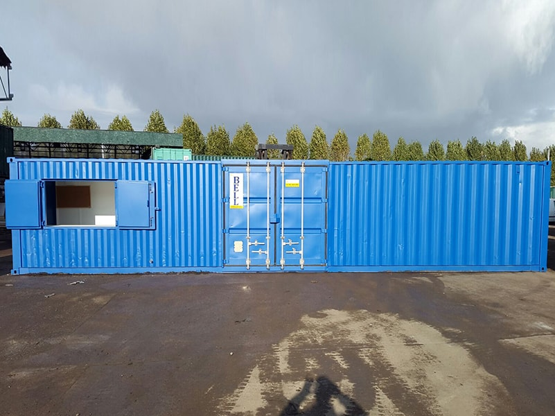 40ft container with outward opening serving hatch