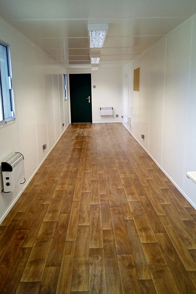 40ft office unit with laminate style vinyl flooring