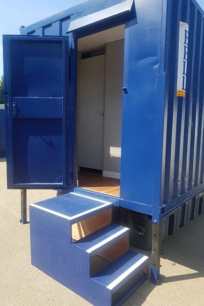 bespoke access steps for 2+1 toilet block raised on jack legs