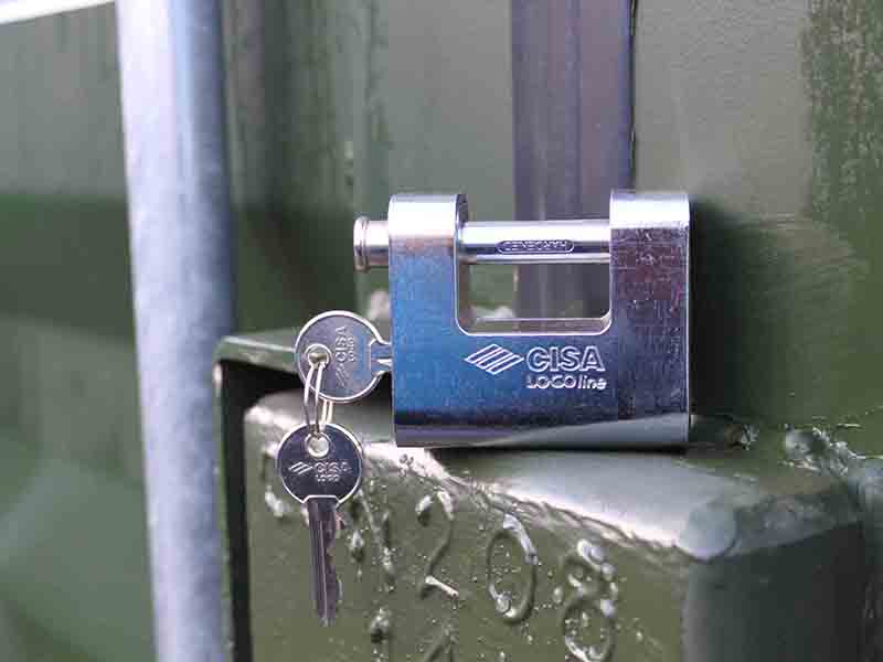 container padlock with keys