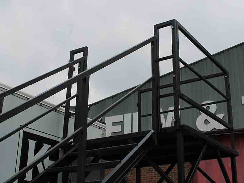 mobile access stairs for shipping containers