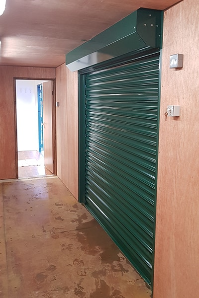 ply lined 40ft container with roller shutters